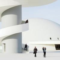 http://www.carlosbcn.com/files/gimgs/th-75_Niemeyer0626.jpg